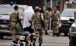 کراچی : گلشن اقبال اور الفلاح میں پولیس اور رینجرز کا آپریشن