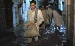 پشاور: بڈھنی نالہ میں طغیانی، گلیاں اور سڑکیں زیر آب