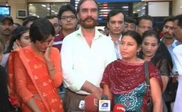 کراچی : بھارتی مرچینٹ نیوی کے اہلکاروں کا پاکستانیوں سے اظہار تشکر