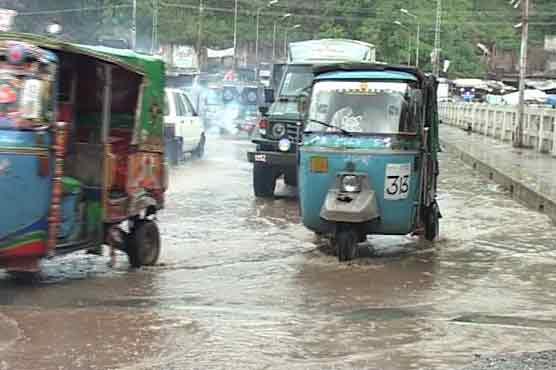 مختلف شہروں میں بارش کے بعد موسم خوشگوار