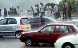 کراچی میں موسلا دھار بارش سے موسم خوشگوار