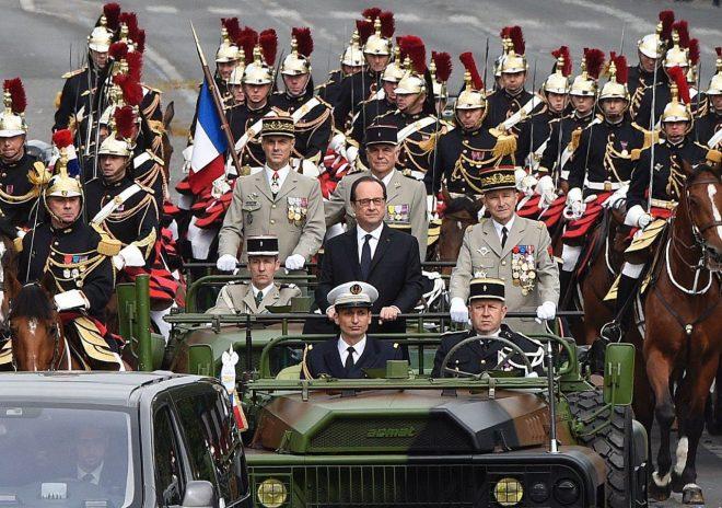 فرانس کے قومی دن کے موقع پر ملٹری پریڈ کا انعقاد
