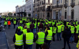 ہزاروں ڈرائیورز حالیہ فرانسیسی طرز پر مبنی (پیلی جیکٹ) احتجاج کی شکل اختیار کر گئے
