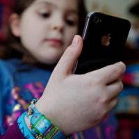 Smartphone Children Ban