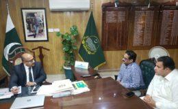چوہدری قمر اقبال کی ڈی سی گجرات ڈاکٹر خرم شہزاد سے ملاقات: کڈنی سنٹر گجرات و دیگر موضوعات پر گفتگو کی گئی
