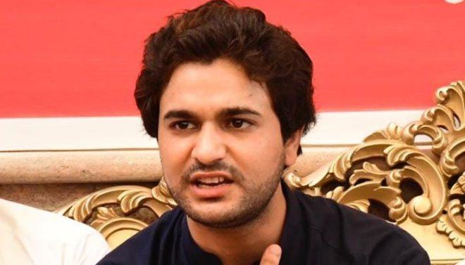 شیریں مزاری نے سندھ کے فوکل پرسن برائے انسانی حقوق کو عہدے سے ہٹا دیا