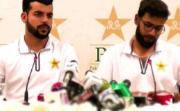ٹیم میں گروپ بندی کی خبریں درست نہیں، عماد وسیم
