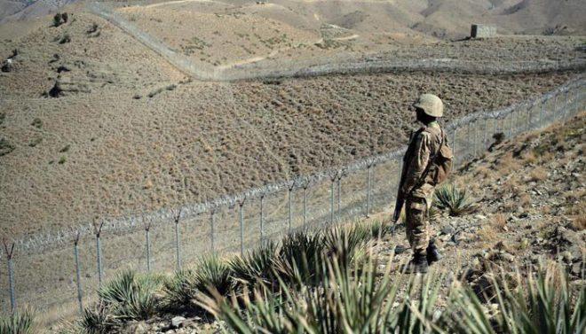پاکستانی سکیورٹی فورسز پر حملے، دس اہلکار ہلاک