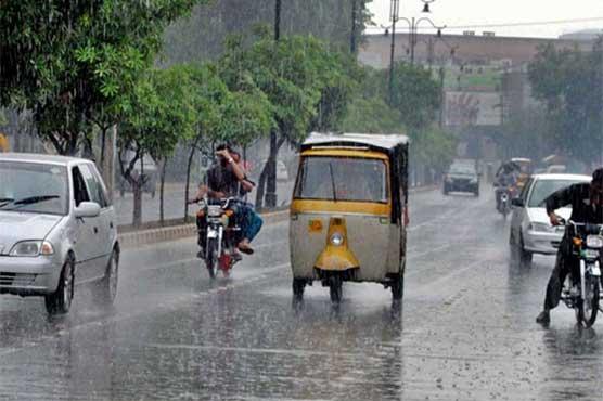 لاہور، قصور سمیت پنجاب کے کئی شہروں میں بارش، حبس میں کمی آ گئی