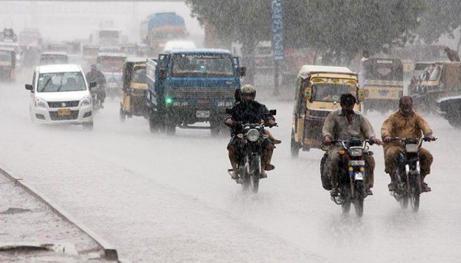 کراچی میں بارش کے دوران کرنٹ و دیگر واقعات میں 20 افراد ہلاک