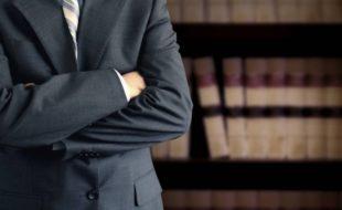 نوجوان وکلاء کے لئے ایک بڑی رکاوٹ
