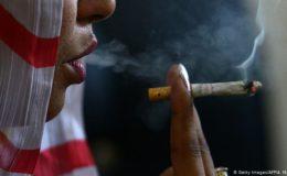 تقریباً آٹھ ملین پاکستانی مرد اور خواتین منشیات کے عادی