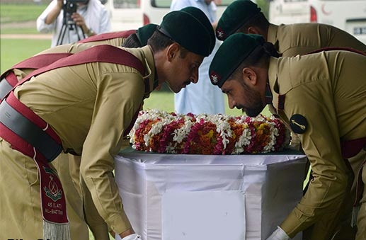 بھارتی فائرنگ سے شہید ہونیوالے حوالدار ناصر حسین کو سپرد خاک کر دیا گیا