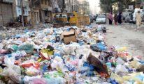 بدبو اور کچرے کے ڈھیر میں بدلتا کراچی