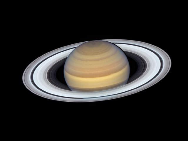 سیارہ زحل کی نئی مسحور کن تصویر وائرل
