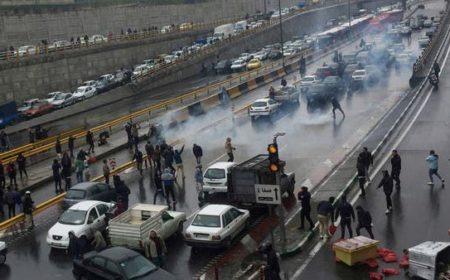ایران میں حکومت کے خلاف چند روزہ احتجاج کے دوران 150 ہلاکتیں