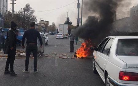 ایران: احتجاجی مظاہرے، ہڑتالیں، انٹرنیٹ سپلائی منقطع