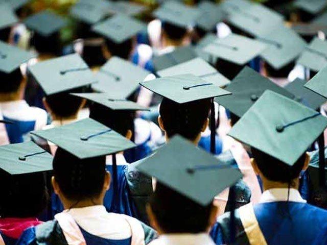 2 سال میں 8 لاکھ 84 ہزار اعلیٰ تعلیم یافتہ، ہنرمند نوجوان ملک چھوڑ گئے