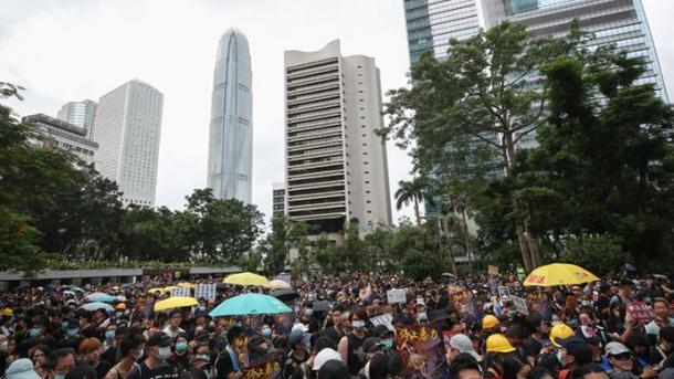 ہانگ کانگ میں مظاہروں کا سلسلہ جاری