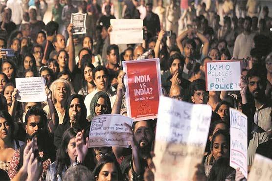 بھارت : شہریت کے متنازع قانون کیخلاف احتجاج، مسلمانوں کو پاکستان جانے کا مشورہ