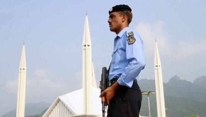 اسلام آباد پولیس اہلکاروں کے یونیفارم پر ویڈیو کیمرے لگانے کا فیصلہ