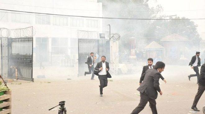 وکلاء کا لاہور میں دل کے اسپتال پر حملہ، خاتون سمیت 3 مریض انتقال کر گئے