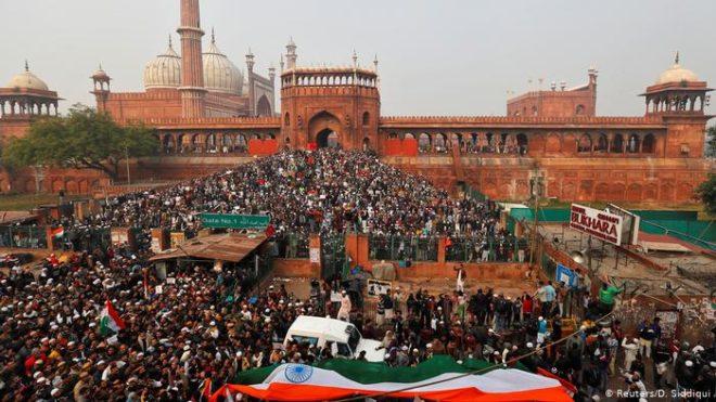 بھارت: مظاہروں کا سلسلہ جاری، ہلاکتوں کی تعداد نو ہو گئی