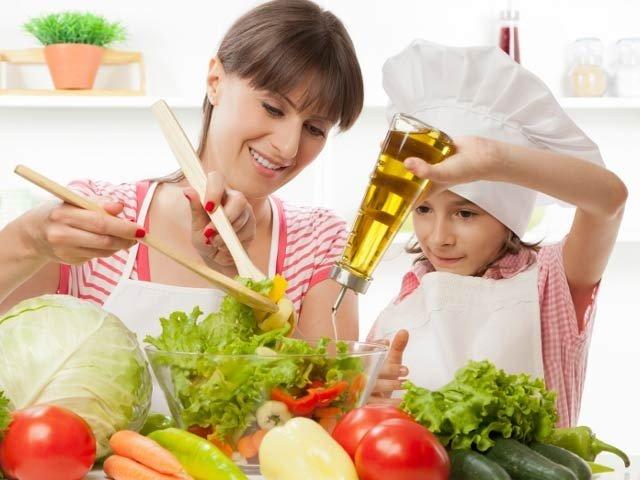 بچے صحت مند کھانوں کی ویڈیو دیکھ کر کھانے کی جانب راغب ہو سکتے ہیں