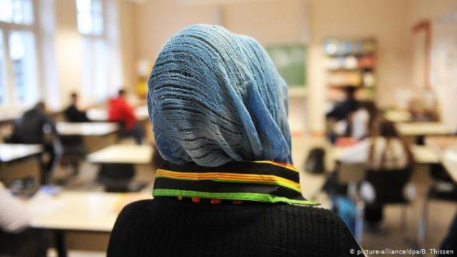 جرمنی: حجاب سے متعلق بحث پُر تشدد لڑائی کا سبب بن گئی