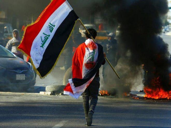 عراق : کربلا میں جھڑپوں میں 10 مظاہرین زخمی، بدر تنظیم کا صدر دفتر نذر آتش
