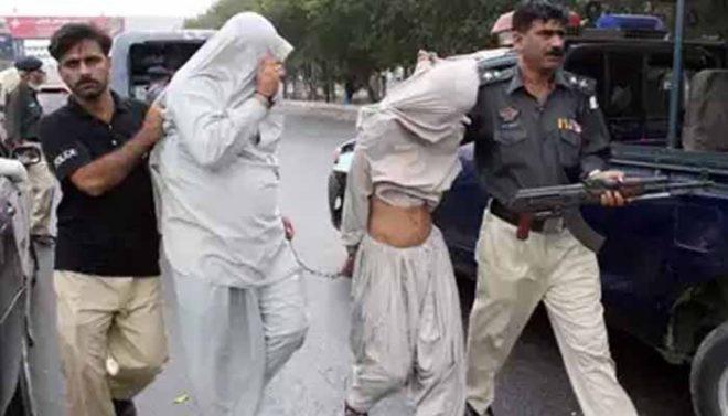 کراچی: ڈاکو قرار دیکر تشدد کا نشانہ بننے والے 2 بھائی بے گناہ نکلے
