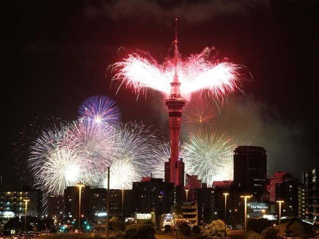 پاکستان سمیت دنیا بھر میں نئے سال کا آغاز