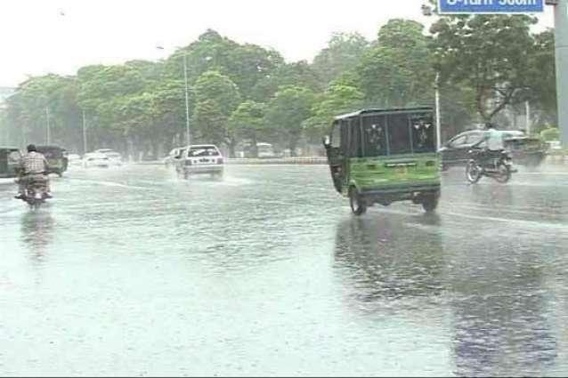 لاہور، راولپنڈی سمیت پنجاب اور سندھ میں بارشیں، نشیبی علاقے زیرآب