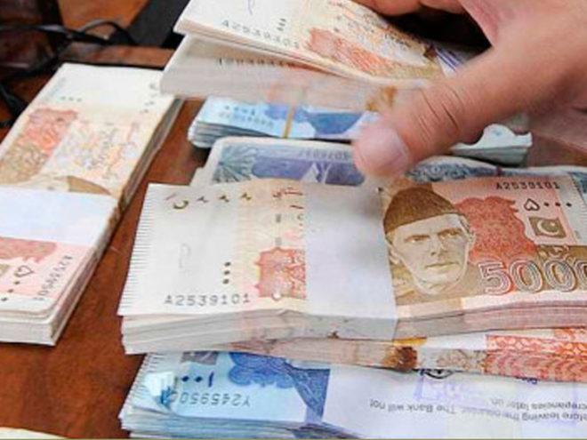 پی ٹی آئی کا دور حکومت، گردشی قرضوں کا حجم 565 ارب روپے تک پہنچ گیا