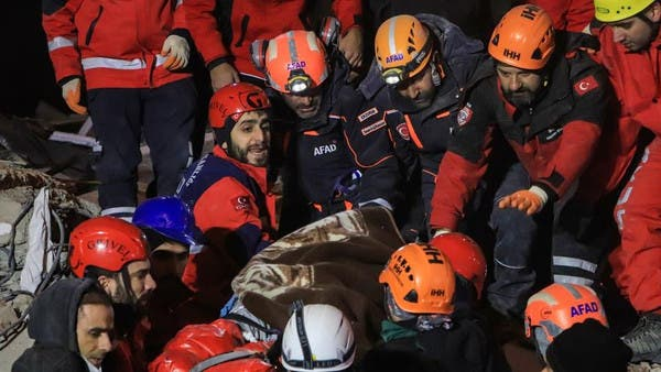 ترکی میں زلزلے کے باعث ملبے تلے دبے افراد کی تلاش جاری