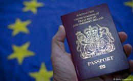 برطانیہ میں اگلے ماہ سے نیلا 'بریگڑٹ پاسپورٹ'
