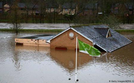 سمندری طوفان ڈینس سے برطانیہ اور فرانس متاثر