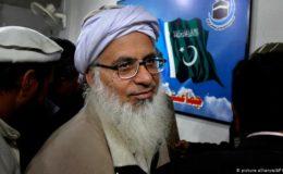 مولانا عبدالعزیز کے ساتھ پلاٹ کی ڈیل، حکومت پر سخت تنقید