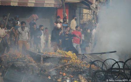 نئی دہلی فسادات: ہلاکتوں کی تعداد 20 ہوگئی، اروِند کجریوال کا فوج بلانے کا مطالبہ