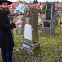 Corona Jews Death