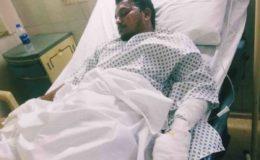 طیارہ حادثے میں محفوظ رہنے والا مسافر زبیر اسپتال سے گھر منتقل