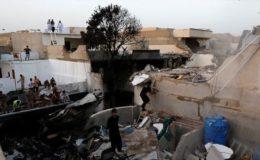 کراچی طیارہ حادثہ: جاں بحق افراد کی تعداد 97 ہو گئی، بیشتر لاشیں ناقابل شناخت