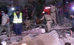 کراچی: لیاری میں عمارت کے ملبے سے مزید 4 لاشیں نکال لی گئیں، تعداد 22 ہو گئی