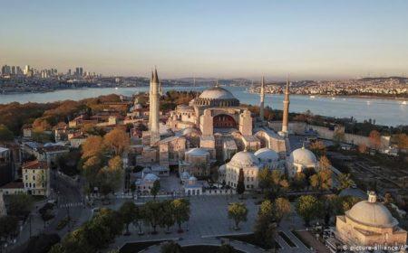 آیا صوفیہ کو مسجد قرار دینے پر امریکا کی مایوسی