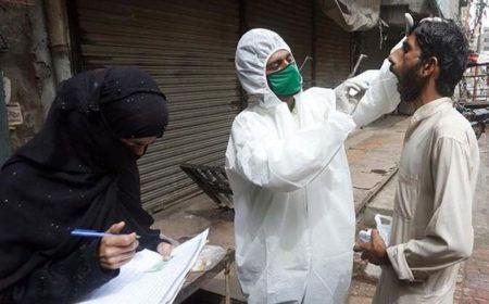 پاکستان میں کورونا سے مزید 32 مریضوں کا انتقال، 1220 نئے کیسز رپورٹ