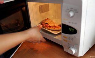 کھانے کی 5 چیزیں جو دوبارہ گرم کرنے سے زہریلی ہو سکتی ہیں