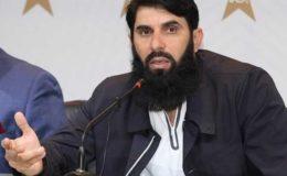 سوشل میڈیا کے مشوروں پر پلاننگ نہیں کرتے، پاکستانی ہیڈ کوچ