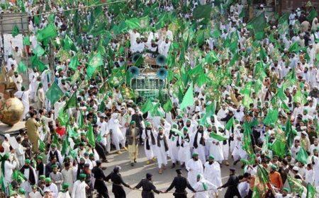 ملک بھر میں جشن ولادت النبی صلی اللہ علیہ و آلہ وسلم عقیدت و احترام سے منایا جا رہا ہے
