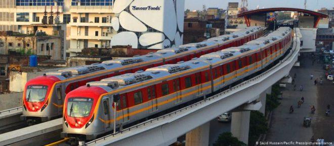 انتظار کی گھڑیاں ختم: میٹرو اورنج لائن ٹرین کو عوام کے لیے کھول دیا گیا
