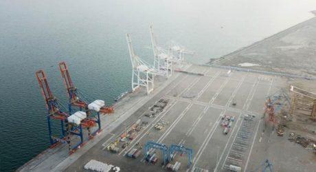 گوادر ٹرمینل پر بین الاقوامی تجارتی سرگرمیوں کا آغاز